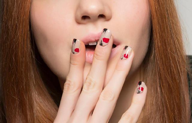 Daks automne 2015 ongles nail art motifs abstraits