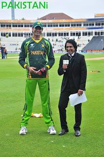 Haha. Muhammad Irfan with Ramiz Raja what A Diffrence