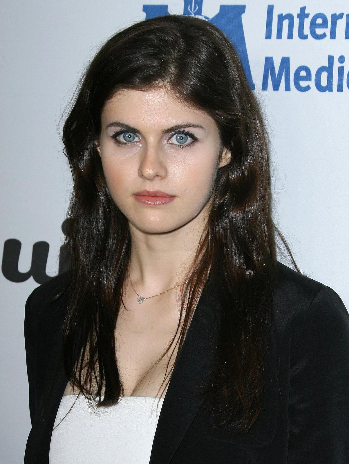 Alexandra Anna Daddario Net Worth