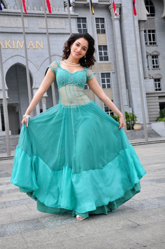 Actress Tamanna New Special Cute Photo Gallery navel show
