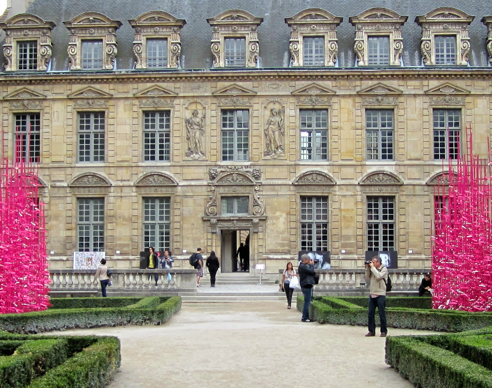 Elaine travels bastille to bordeaux - Monoprix rue saint antoine ...