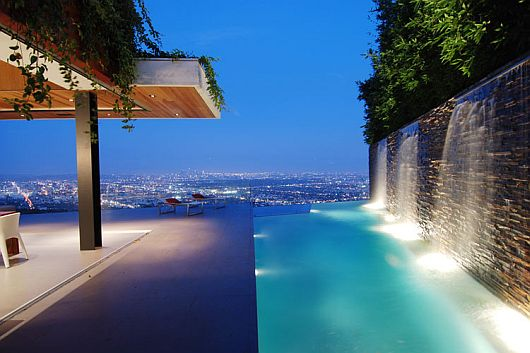 Luxury house with stunning view in hollywood hills los for Beautiful in los angeles