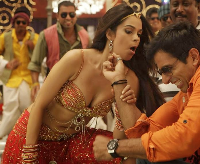 Mallika Sherawat Hot Cleavage Show in Her Hottest Bollywood Item Dance Songs