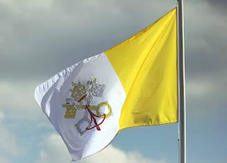 El origen de la bandera del vaticano