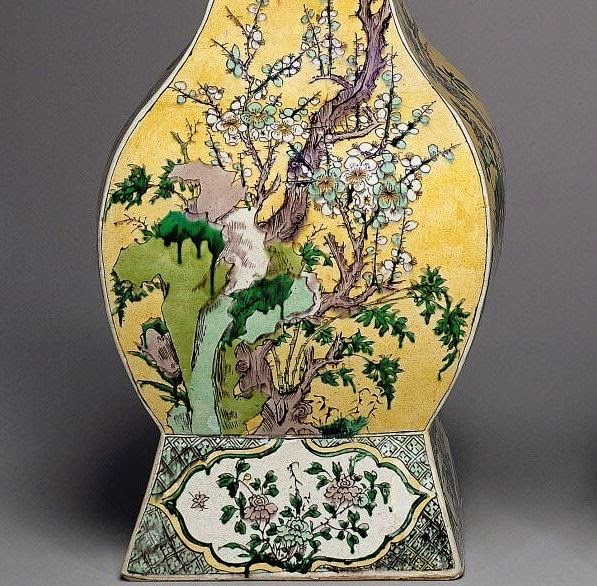 """<img src=""""Kangxi Rectangular Vase detail .jpg"""" alt="""" Famille Verte on Biscuit"""">"""