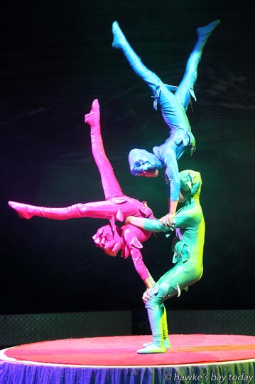 Cross the Ocean, a performance at Zirka Circus, Havelock North Domain, Havelock North. photograph