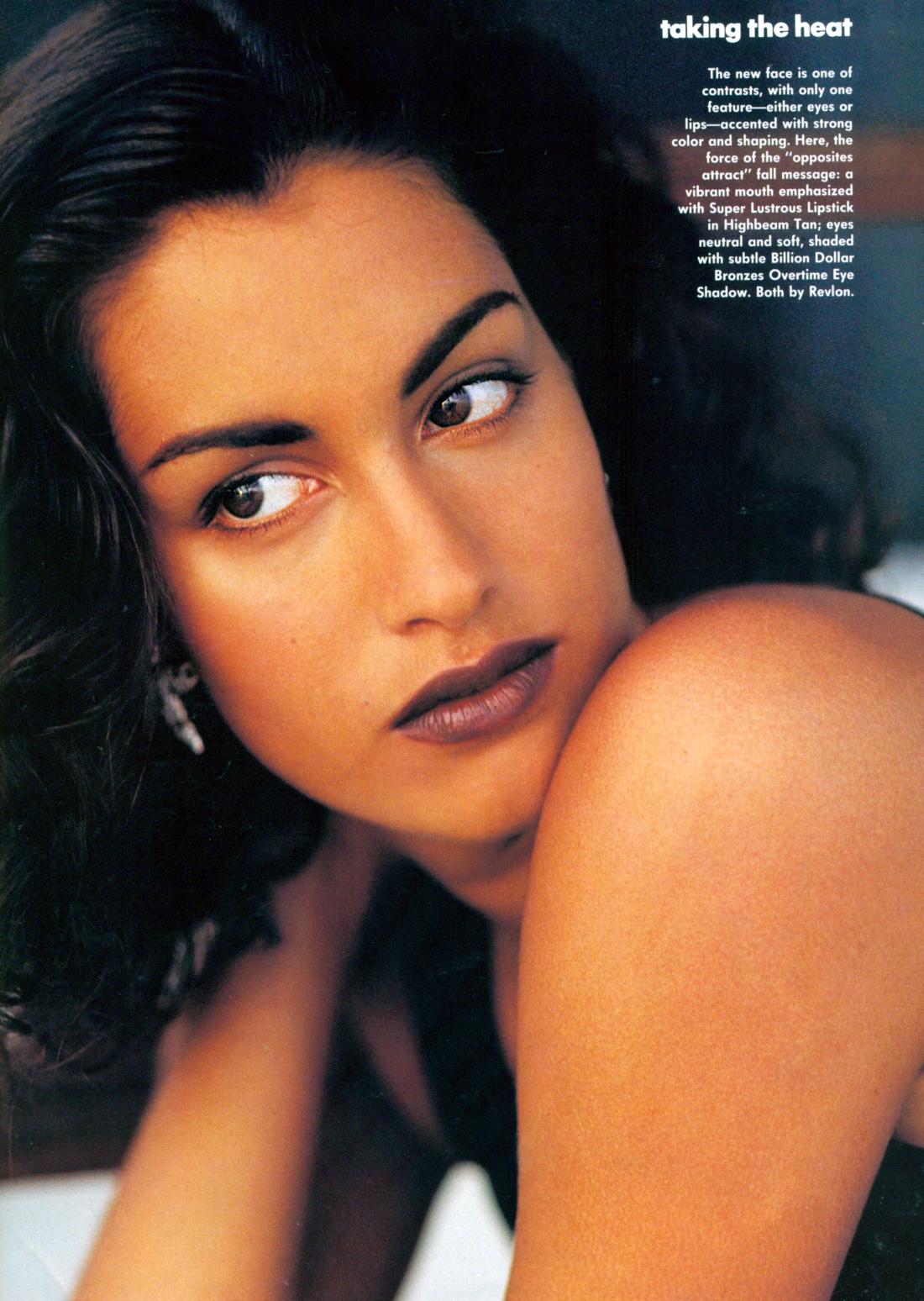 http://1.bp.blogspot.com/-T0pUbRc9ctk/TdaBTXX1MBI/AAAAAAAABTc/4t_PC88gksc/s1600/Yasmeen+US+Vogue+Jul+91.10.jpg