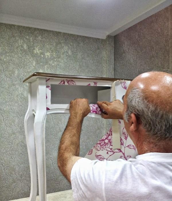 Papel pintado empapelar un mueble con papel pintado - Como decorar un mueble con papel pintado ...