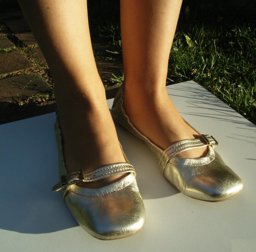 chaussure soirée dans vide dressing de Flora : EDEN SHOES - Ballerines dorées - P38 - NEUVES