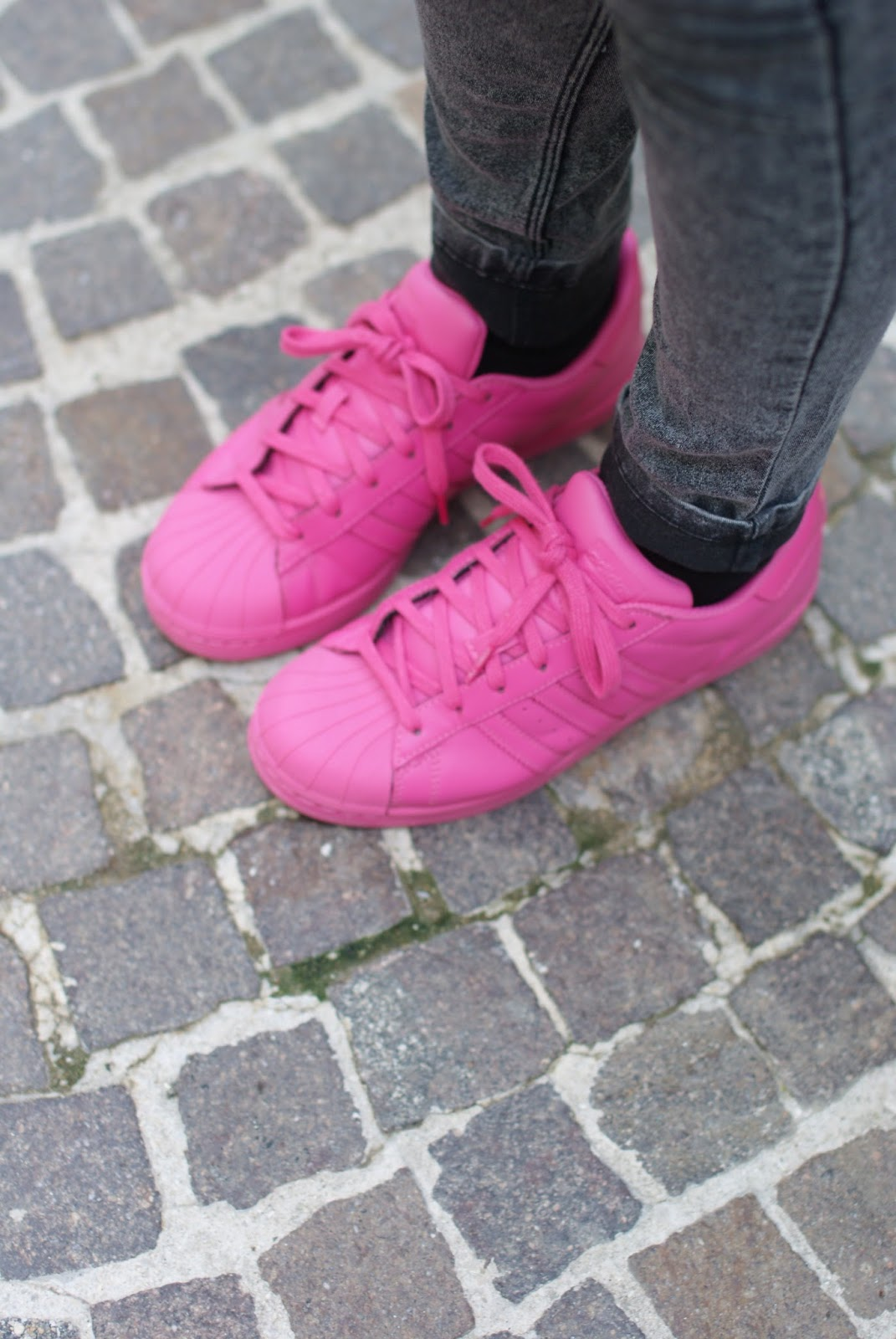 adidas supercolor by pharrell pink on Fashion and Cookies fashion blog