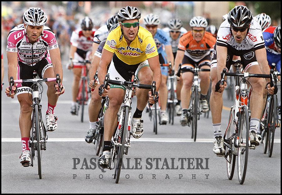 Champion mardis cyclistes 2010 jean francois laroche for Le miroir du cyclisme