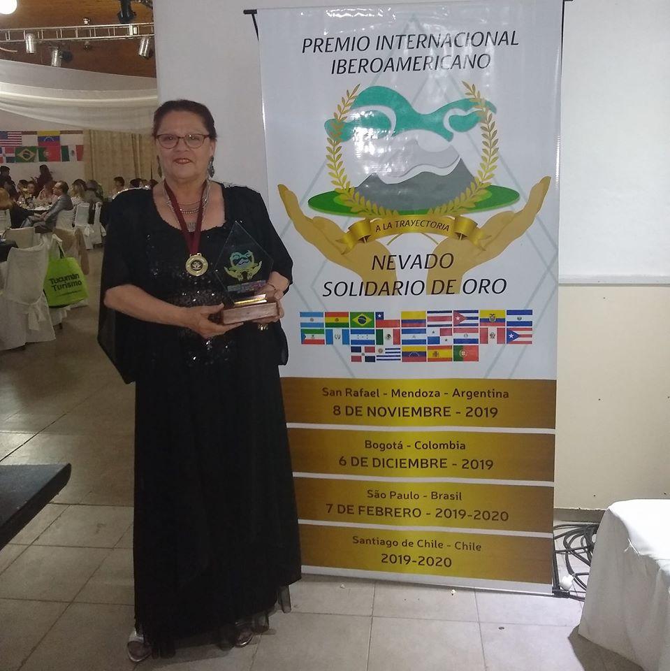 Mirta Praino Premio Internacional Iberoamericano El Nevado Solidario Oro 2019-2020 A la Trayectoria