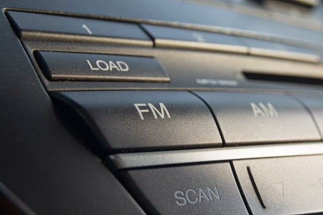 Radios, voios si-un blogger bucuros