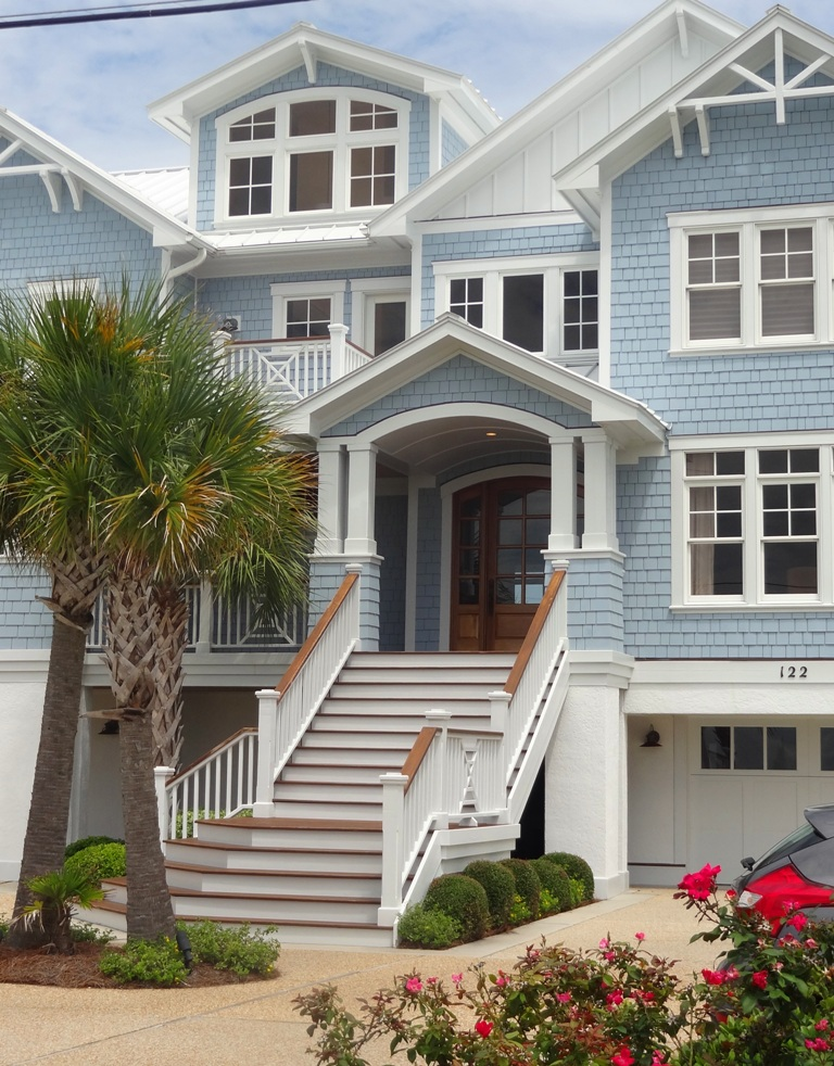 Exterior paint colors for beach cottage beautiful homes for Beach house paint colors exterior