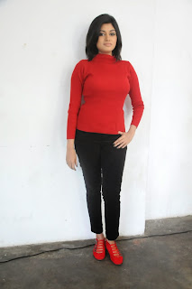 Oviya Cute beauty in Red Full T Shirt anbd Black Pants Stunning Makeup Must See Beauty