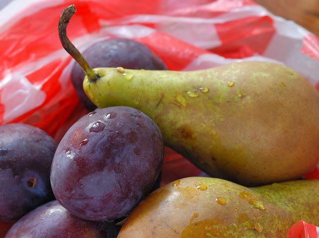 easy recipe pear and plum pie