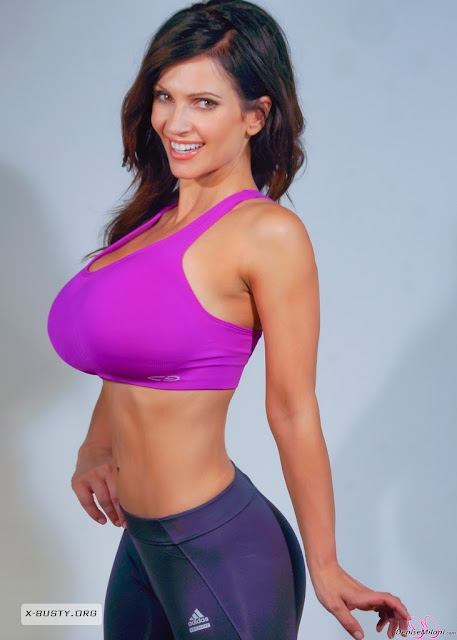 Diva neXT: Denise Milani Workout
