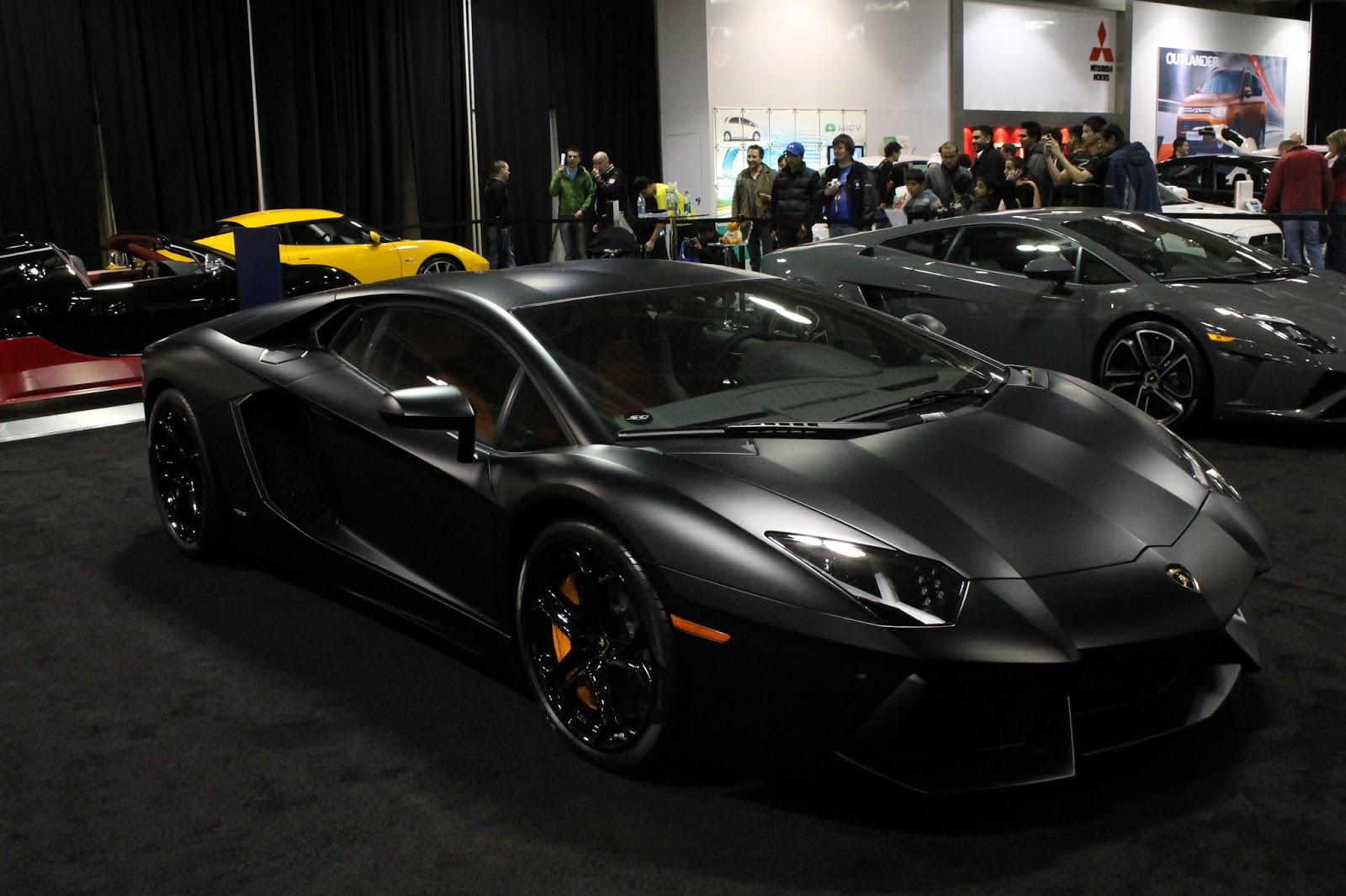 HD wallpapers black and white lamborghini wallpaper
