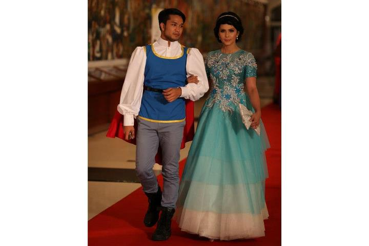 alahai seperti prince and princess.shaz jazle look smart !