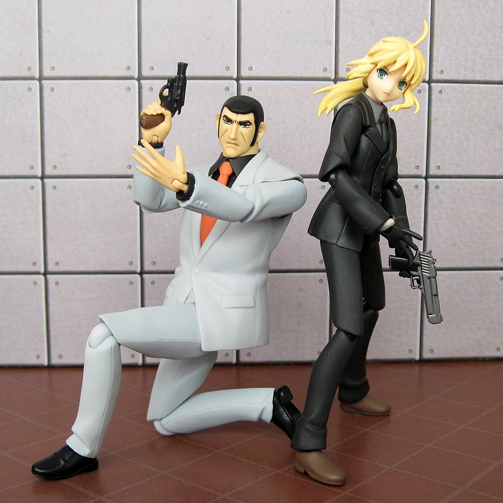 Golgo 13 Gun: World Of Klaymore: Figma Saber Zero In A Suit