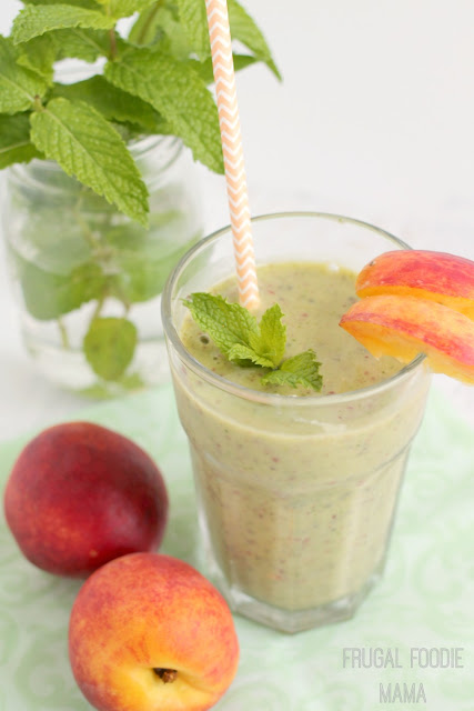 Fresh mint, sweet peaches, leafy greens, and chia seeds are blended together in this creamy & healthy Peach-Mint Green Smoothie #ad