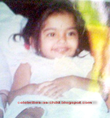 Celebrities As A Child: Sonam Kapoor Childhood Pictures