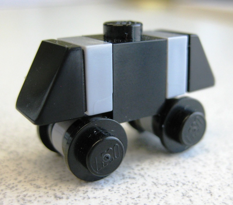 betty edit blurbs: Lego Star Wars Advent Calendar, Day 14: Mouse Droid