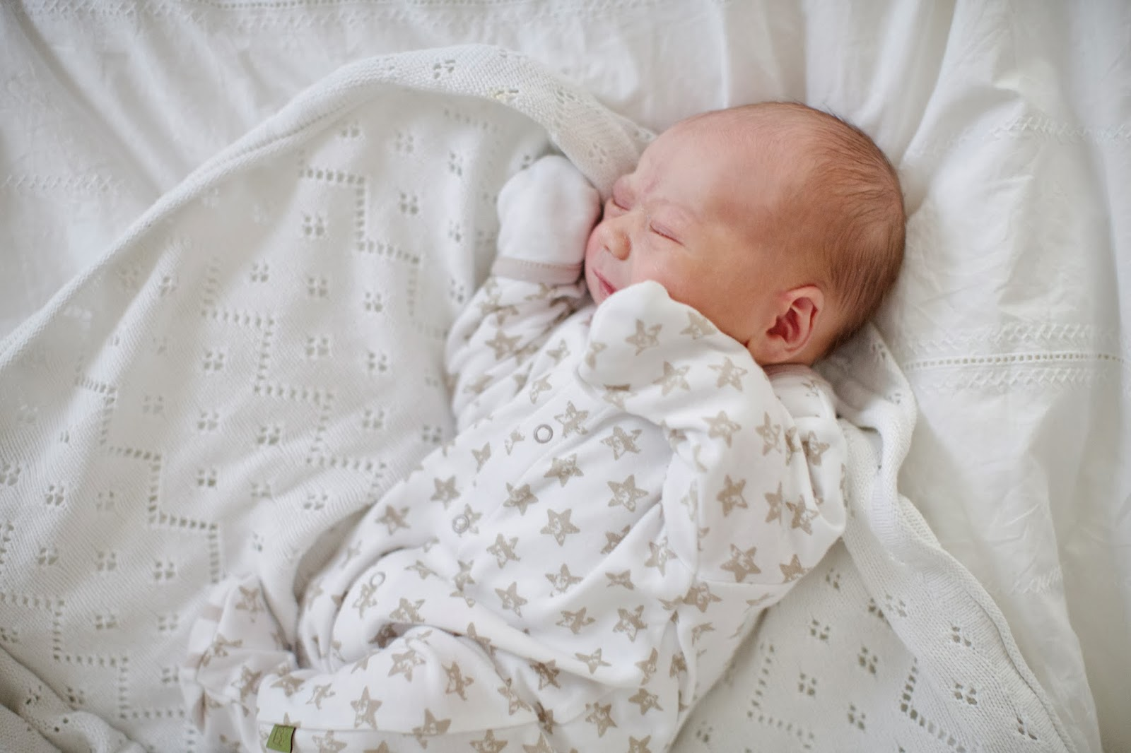 Baby Unisex Clothing At George, we have an adorable range of baby unisex clothing, from cosy bodysuits, bibs, to practical blankets in stylish designs to keep your little bundle of .