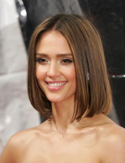 Стрижки на средние волосы с челкой для редких волос