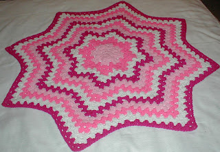 Free crochet baby blanket pattern with granny squares
