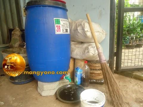 Membuat pupuk organik cair
