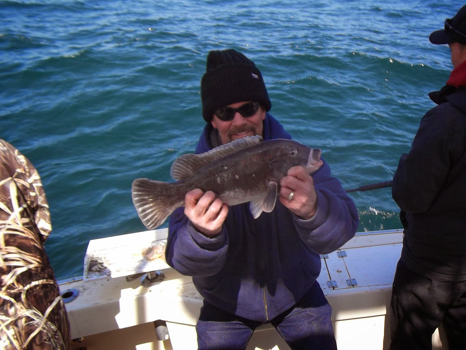 Rock hound charters january 2014 for Fishing charters near me