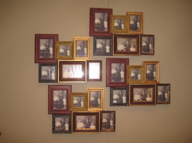 fadingpaper mur de cadres. Black Bedroom Furniture Sets. Home Design Ideas