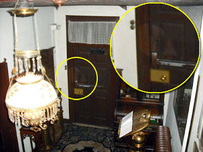Real Ghost Photo: Farnsworth House Inn ghost