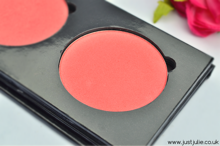 Artist of Makeup Zukreat Cosmetics HD  Desert Rose Blusher Review
