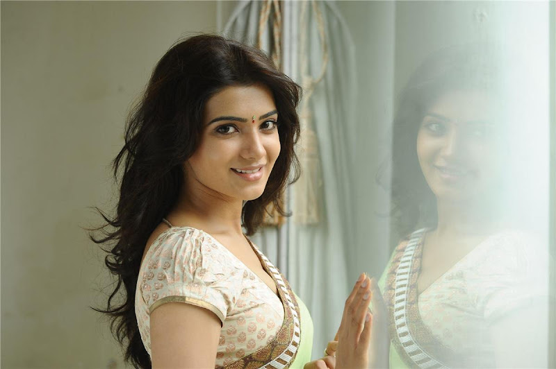 Telugu Lovely Actress Samantha Exclusive Cute Saree Stills glamour images