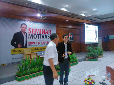 Training Motivasi akhir tahun, training motivasi PNS, motivator PNS, motivasi bekerja, motivasi bahagia, training motivasi bandung, motivator muda, Edvan M Kautsar, motivator indonesia, motivator terbaik, motivator termuda