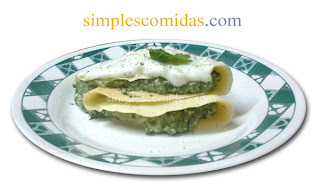 crepes de acelga y salsa blanca