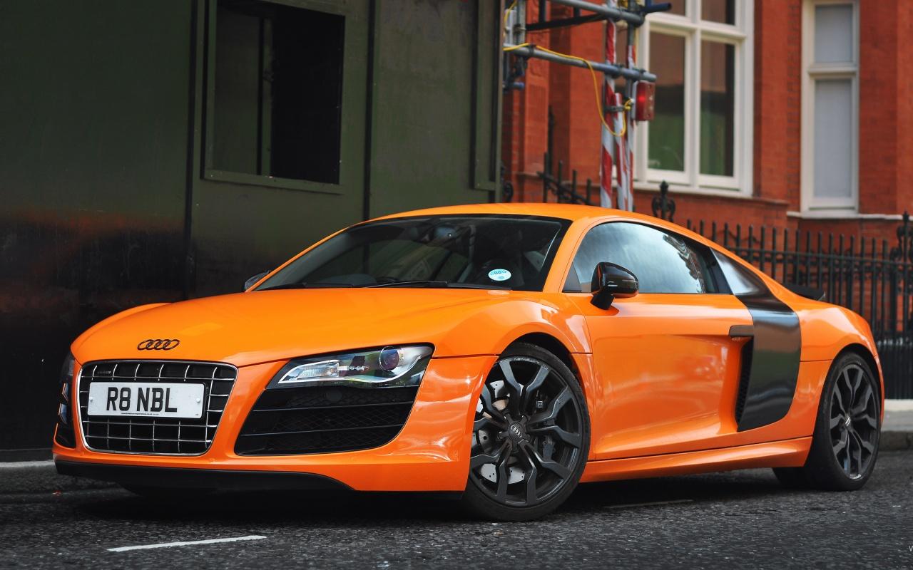 http://1.bp.blogspot.com/-T4r7H_ds8KA/UIlZXZiYuMI/AAAAAAAAAdE/12_TGCKIs2c/s1600/Audi+R8+HD+Wallpaper+1280x800.jpg