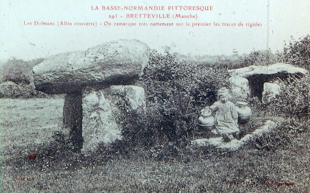 Early 20th century postcard of the mound the legend says; Dolmens (covered way) - we see very clearly on the first traces of ditches