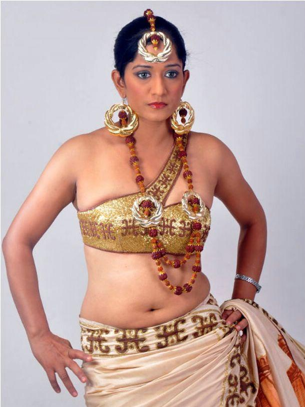 LATEST MOVIE MASALA: VARSHA HOT NAVEL PHOTOSHOOT