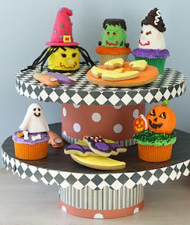 Cute Halloween Cake Stand