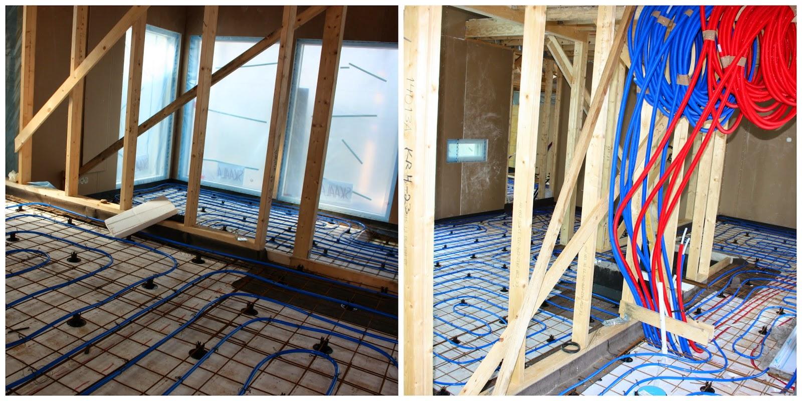 Sisätyöt etenevät: eristeet ja raudoitukset sekä lattialämmitys alakerrassa