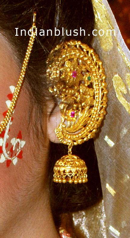 Indian Blush Traditional Bengali Gold Wedding Jewellery