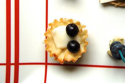 Red, White and Roasted Blueberries | www.kettlercuisine.com