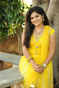 New Actress Noorjahan Photos in Yellow-thumbnail-6