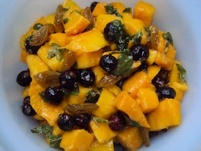mangoes, mint and my sweet and tangy summer coolers : mango and phalsa salad and aam panna recipe