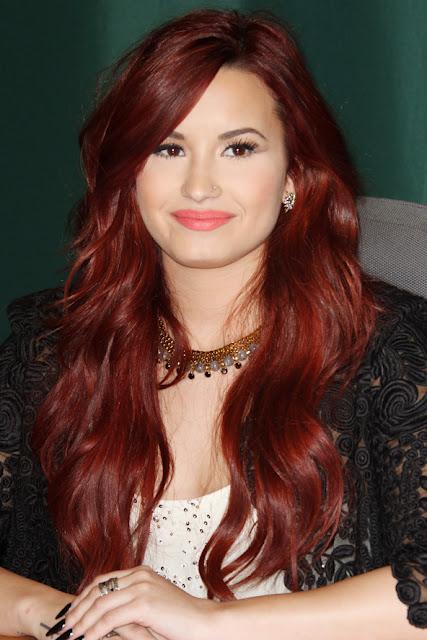 http://1.bp.blogspot.com/-T5hFbN0pnSg/UC1J3n_w5UI/AAAAAAAADSc/fgWWLrdx_VM/s1600/015+Demi-Lovato-Hairstyle.jpg