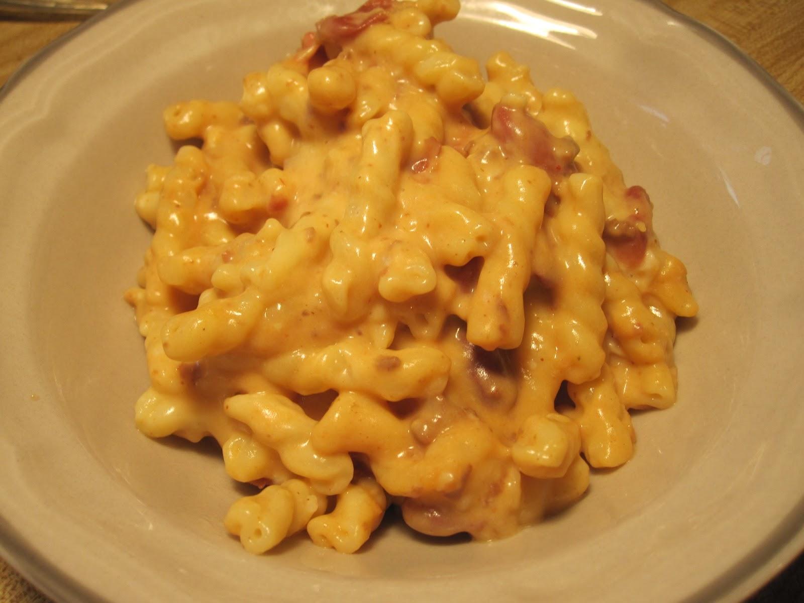 Vegetarian and Cooking!: Chili Mac & Cheese