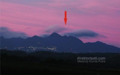 foto gunung muria unik aneh penampakan wajah orang